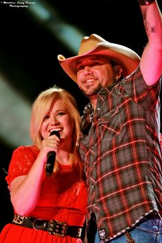 Jason Aldean and Kelly Clarkson - 2013 #CMAFest