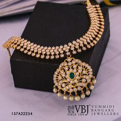 Jewelry Set Looking for diamond jewellery sets? Here are our picks of some great designs that are trending this year. - Looking for diamond jewellery sets? Here are our picks of some great designs that are trending this year. Ruby And Diamond Necklace, Diamond Choker, Diamond Pendant Necklace, Diamond Bracelets, Diamond Jewelry, Gold Jewelry, Bridal Jewelry, India Jewelry, Aquamarine Jewelry