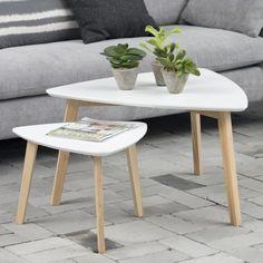 La Mesa Nido de madera Abin es un conjunto de tres mesas modernas y elegantes de color blanco. Amplia selección de Mesas Nido ¡MEJOR PRECIO ONLINE!