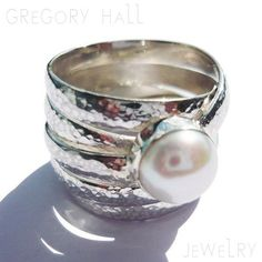 White Pearl Ring Sterling Silver Engagement Rings di gregoryghall