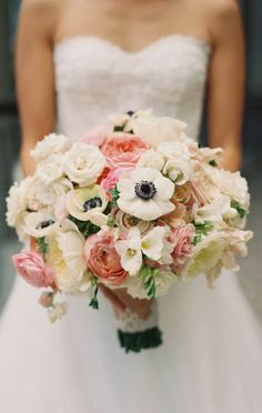 So pretty ~ Photography: Caroline Tran // Floral Design: Amy Burke Designs | bellethemagazine.com