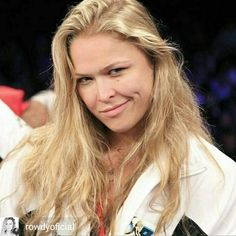 UFC women's bantamweight champion Ronda Rousey has gave her thoughts on transgender Mixed Martial Artist Fallon Fox. For more details, visit our website by clicking on the image. Ronda Rousey Weigh In, Ronda Rousey Mma, Ronda Rousey Images, Holly Holm Ufc, Boxe Mma, Ronda Rousy, Wrestlemania 31, Rowdy Ronda, Bodybuilding