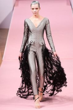 See the complete Alexis Mabille Spring 2013 Couture collection.