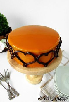 tort cu ciocolata si caramel Creme Caramel, Occasion Cakes, Something Sweet, Mini Cakes, Butter Dish, Cake Decorating, Food And Drink, Cooking Recipes, Gluten
