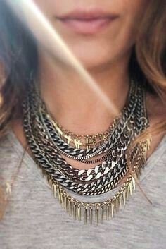 How cool is this leather and chain collar necklace from Jenny Bird? Metal Necklaces, Metal Jewelry, Jewelry Necklaces, Chunky Necklaces, Statement Necklaces, Pandora Jewelry, Diy Jewelry, Diy Necklace, Collar Necklace