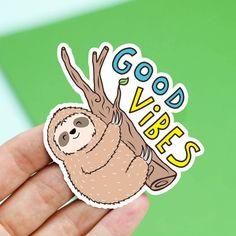 Sticker paresseux cadeau de fête Good Vibes par TurtlesSoup sur Etsy