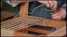 bank yapimi Ken Burton takes you through the final steps of weaving the seat of your chair in the onlineEXTRA to our cover project in the Aug/Sept 2016 issue of Woodcraf. Diy Wood Projects, Wood Crafts, Woodworking Projects, How To Weave A Chair Seat, Handmade Furniture, Diy Furniture, Chair Repair, Macrame Chairs, Woven Chair