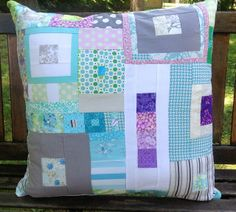 Summer Pillow  thequiltingdee.blogspot.com