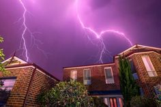 Melbourne storm: Trees uprooted, homes damaged by out-of-season...: Melbourne storm: Trees uprooted, homes… #Melbournestorm #MelbourneStorm