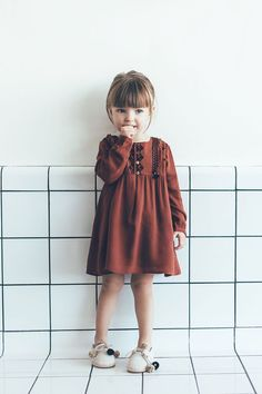 Rusty orange dress with pompon shoes// Aina from Sugar Kids for ZARA BABY Fashion Kids, Little Girl Fashion, Toddler Fashion, Fall Fashion, Fashion Trends, Mode Zara, Kids Mode, Online Zara, Top Mode