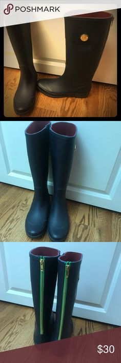 Tommy Hilfiger Rain Boots Only worn twice. They are in great condition. Tommy Hilfiger Shoes Winter & Rain Boots