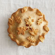 Fall Leaf Pie Crust Top - Made it for Thanksgiving - the prettiest pies on the Mince Pies, Pie Crust Designs, Fall Recipes, Pie Recipes, Recipies, Autumn Leaves, Autumn Harvest, Harvest Moon, Sweet Tooth