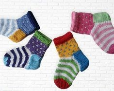 Baby Knitting Patterns These colorful baby socks are just right for little baby feet. Knitted from cotton . Crochet Pullover Pattern, Crochet Socks, Crochet Baby Booties, Knitting Socks, Free Knitting, Knitted Slippers, Knit Socks, Crochet Granny, Knitted Baby Socks