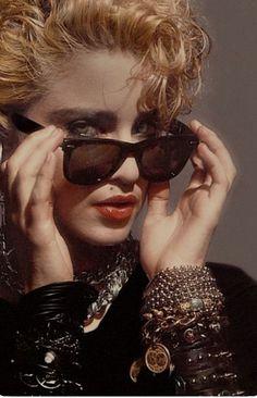 1980s Madonna, Lady Madonna, Jewel Singer, Madonna Albums, Madonna Pictures, 80s Trends, 80s Hair, Music Images, Brunette To Blonde