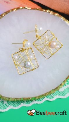 Wire Jewelry Designs, Handmade Wire Jewelry, Jewelry Crafts, Bijoux Wire Wrap, Wire Wrapped Jewelry, Bead Jewellery, Beaded Jewelry, Diy Earrings Easy, Homemade Jewelry