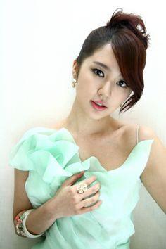 Yoon Eun-Hye<3 <3