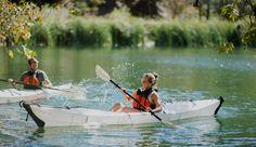 l más puro estilo japonés, este kayak se dobla completamente para quedar convertido en una mochila cuadrada. Se puede facturar en aviones, transportar fácilmente, con lo que ya no tienes excusas para pasar un buen rato navegando por ríos o mares. #deportes #sports