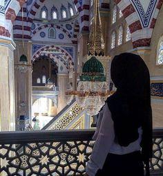 What are the Sunnah prayers in Islam? What are Nawafil prayers in Islam? Arab Girls, Muslim Girls, Muslim Couples, Beautiful Muslim Women, Beautiful Hijab, Hijabi Girl, Girl Hijab, Muslimah Wedding Dress, Dress Muslimah