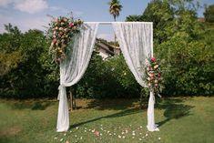 Arco cerimonia Boho Chic Lago d'Orta Italy Il Pavone Bianco Wedding Planner