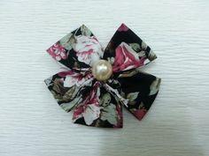 DIY Flowers : Simple DIY fabric flower