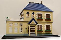 LEGO Dollhouse Exterior | Flickr - Photo Sharing!