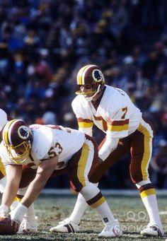 washington redskins joe theismann | Washington Redskins quarterback Joe Theismann (7) in action against ...