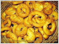 Food recipes with step by step photos from preparation,ideal for novice cookers Sweet Buns, Sweet Pie, Greek Recipes, My Recipes, Greek Sweets, Cheese Cookies, English Food, English Recipes, Bagel
