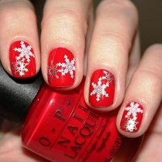 NAIL Art in Christmas Style - http://www.styledetails.com/nail-art-in-christmas-style - http://i.imgur.com/R54aMsGl.jpg