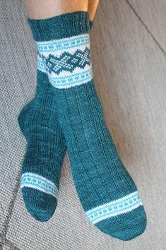 Knit Socks, Knitting Socks, Diy Crochet And Knitting, Knitting Patterns, Fashion, Stockings, Tricot, Knitting And Crocheting, Patterns