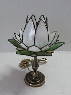 Lampada da tavolo abat-jour con base in ottone e vetro tiffany tulipano bianco in Casa, arredamento e bricolage, Illuminazione da interno, Lampade | eBay