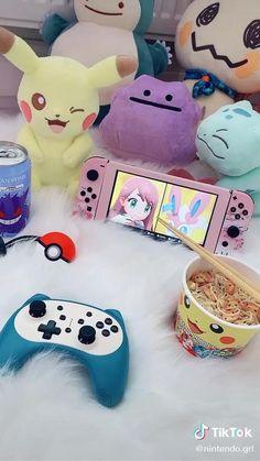 Cute Bedroom Decor, Room Ideas Bedroom, Bedroom Furniture, Snacks Japonais, Gaming Room Setup, Gaming Desk, Gamer Bedroom, Kawaii Games, Kawaii Bedroom