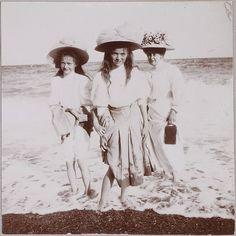 Grand Duchesses Olga and Tatiana with Tsaritsa Alexandra at the shore