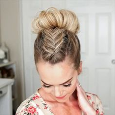 Süßes Braid Tutorial , You are in the right place about Braids frisuren Here we offer you the most beautiful pictures about the Braids step by step you are looking for. Box Braids Hairstyles, Unique Hairstyles, Pretty Hairstyles, Girl Hairstyles, Hairstyle Ideas, Cute Cheer Hairstyles, Little Girl Wedding Hairstyles, Easy Hairstyles For Kids, Princess Hairstyles