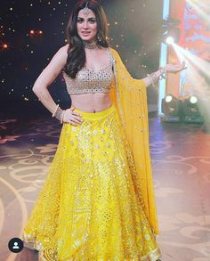 Indian Fashion Trends, Indian Designer Outfits, Indian Outfits, Designer Dresses, Girl Fashion, Fashion Dresses, Fashion Shoes, Beautiful Indian Actress, Indian Wear
