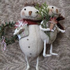 Snowmama and Baby Christmas Ornament EPATTERN by cheswickcompany, $4.95