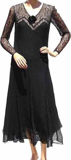 1930s Dress Black Lace Art Deco  Thinking this for Joanna and Alex's Wedding in linen...but a little more slouchy.