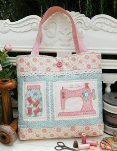 One Big Block Makes a Beautiful Patchwork Quilt - Quilting Digest Patchwork Bags, Quilted Bag, Patchwork Quilting, Quilting Projects, Sewing Projects, Craft Bags, Fabric Patch, Fabric Bags, Fabric Basket