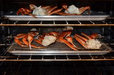 Roasted Crab Legs - water and minced garlic in tray, crab on rack, 450 degrees oven about 20 minutes Romantic Dinner Recipes, Dinner Party Recipes, Supper Recipes, Romantic Dinners, Dinner Ideas, Kitchen Recipes, Cooking Recipes, Meatless Recipes, Paleo Recipes