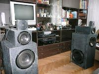 Amp: NAD 310; CD: Marantz CD46; DVD: NAD T550; Deck: Technics RS-BX828; Gramo: Tesla NC420; Speaker Tesla: subbas TVM ARN-312-00/8, bass TVM ARN-226-03/8, mid TVM ARX-150-23/8, high TVM AVR-104-03/8, crossover: BS Acoustic CN 01-3-6/8;