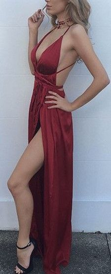 How absolutely gorgeous is this maxi dress with the wrap around details. You can wear it however you want. love
