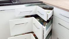 Hvordan utnytte plassen best mulig når du skal pusse opp et lite kjøkken? Home Goods Decor, Home Decor, Wardrobe Design Bedroom, Dining Room Inspiration, Smart Storage, Modern Kitchen Design, Kitchen Items, Kitchen Organization, Organizing