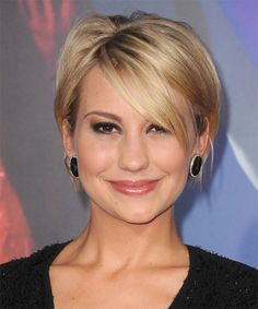 Chelsea Kane Short Straight Casual Hairstyle with Side Swept Bangs – Golden Blonde Hair Color with Light Blonde Highlights - Coiffure Sites Casual Hairstyles, Short Hairstyles For Women, Cool Hairstyles, Hairstyle Short, Hairstyle Images, Hairstyle Ideas, Haircut Short, Short Straight Hairstyles, Latest Hairstyles