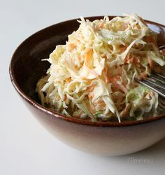 Šalát Coleslaw Coleslaw, Salad Recipes, Cabbage, Food And Drink, Yummy Food, Yummy Recipes, Low Carb, Menu, Homemade