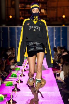 "Rihanna schooled the fashion crowd, forget detention, I give Rihanna a grade A. Her ""Detention"" themed Fall 2017 FENTY x PUMA Ready to Wear collection in a Hollywood-worthy production at the Biblio… 2016 Fashion Trends, Fashion 2017, Runway Fashion, Fashion Show, Fashion Design, Fashion Kids, Urban Fashion, Autumn Fashion, Rihanna"