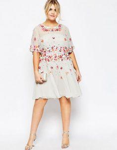 25 vestidos para convidadas curvy: modelos perfeitos para casamentos de Primavera/Verão! Image: 5