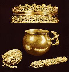 Изразяващ себе си :: Златото на Древна Персия, Скития, Сарматия, Крит и Хетия Persian jewelry,150 BC
