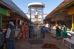 A street scene in Otavalo Ecuador. #everdaylatinamerica #streetphoto #streetphotography #photooftheday #picoftheday #photojournalism #ecuador #otavalo #documentaryphotography #pictureoftheday #sociallandscape #socialdocumentaryphotography #color #latinamerica #americalatina #candid by johngallagherphotography