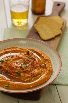 Cinco Quartos de Laranja: Hummus de pimento vermelho assado