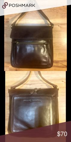 """Fossil Purse BeautifulFossil Dark Brown Leather Crossbody Purse! EUC! 👜👜🎉 measurements 10"""" inches across & 8"""" inches down strap drop 20-22"""" inches adjustable approximately?🎉👜🎉 Fossil Bags Crossbody Bags"""