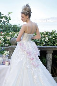 2013 New Arrival Sweet Wedding Dresses A Line Sweetheart Sweep Train With Lace And Handmade Flowers